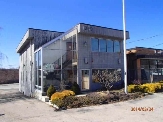 1249 Oaklawn Avenue, Cranston, RI