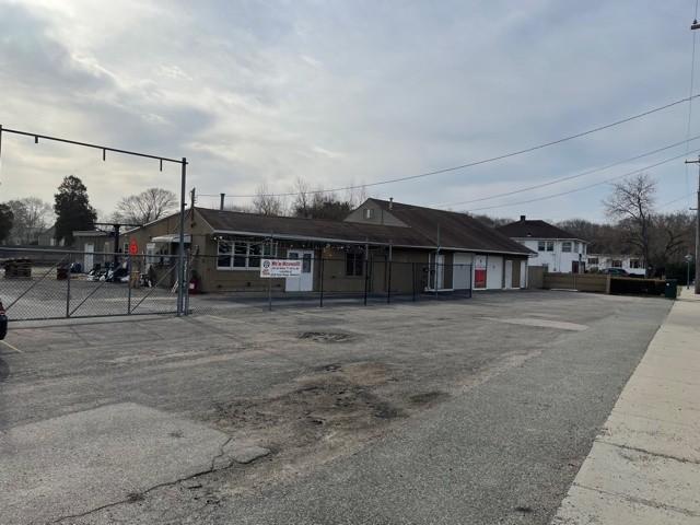 1084 West Shore Road, Warwick, RI